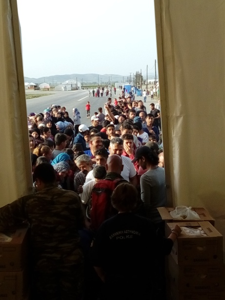 The first day we took a pallet of bananas to a ccamp ran by the Greek army, theyed had very little food that day